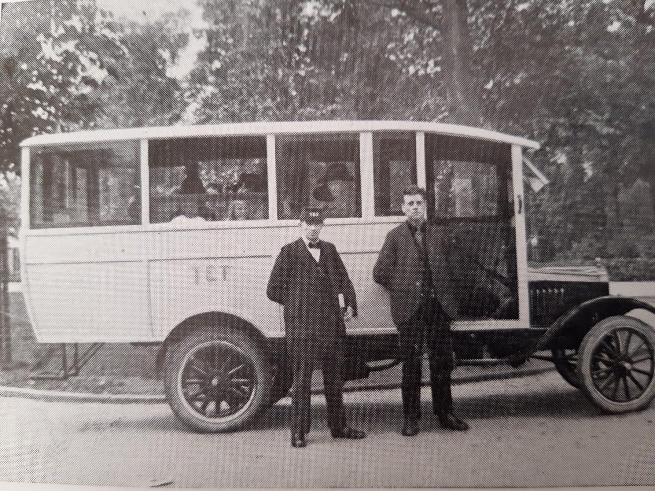 De eerste bus