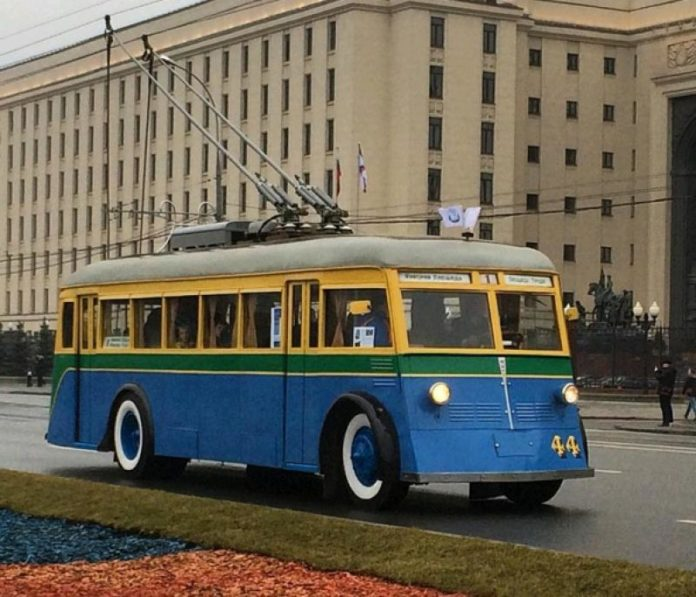 trolley Moskou parade