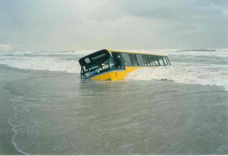 35 - 97 - Strandbus Ondergang