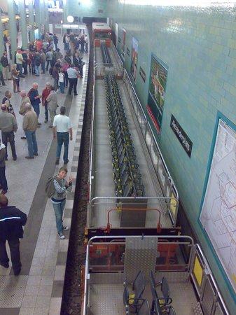 tunnel tour Berlijn cabrio-wagen