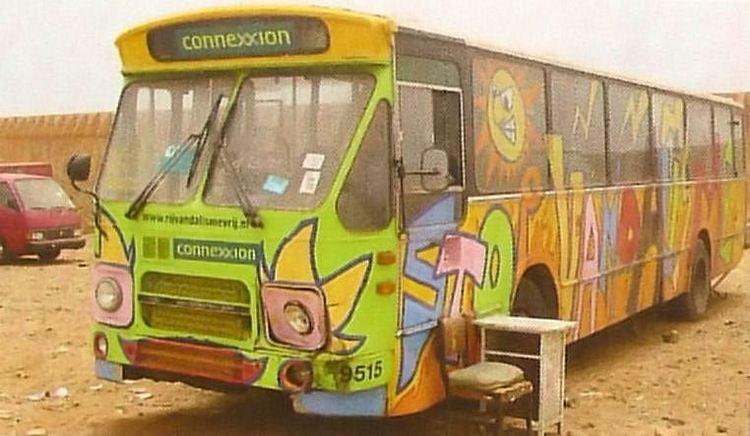 38 - 94 - Ghana 9515 vandalisme bus